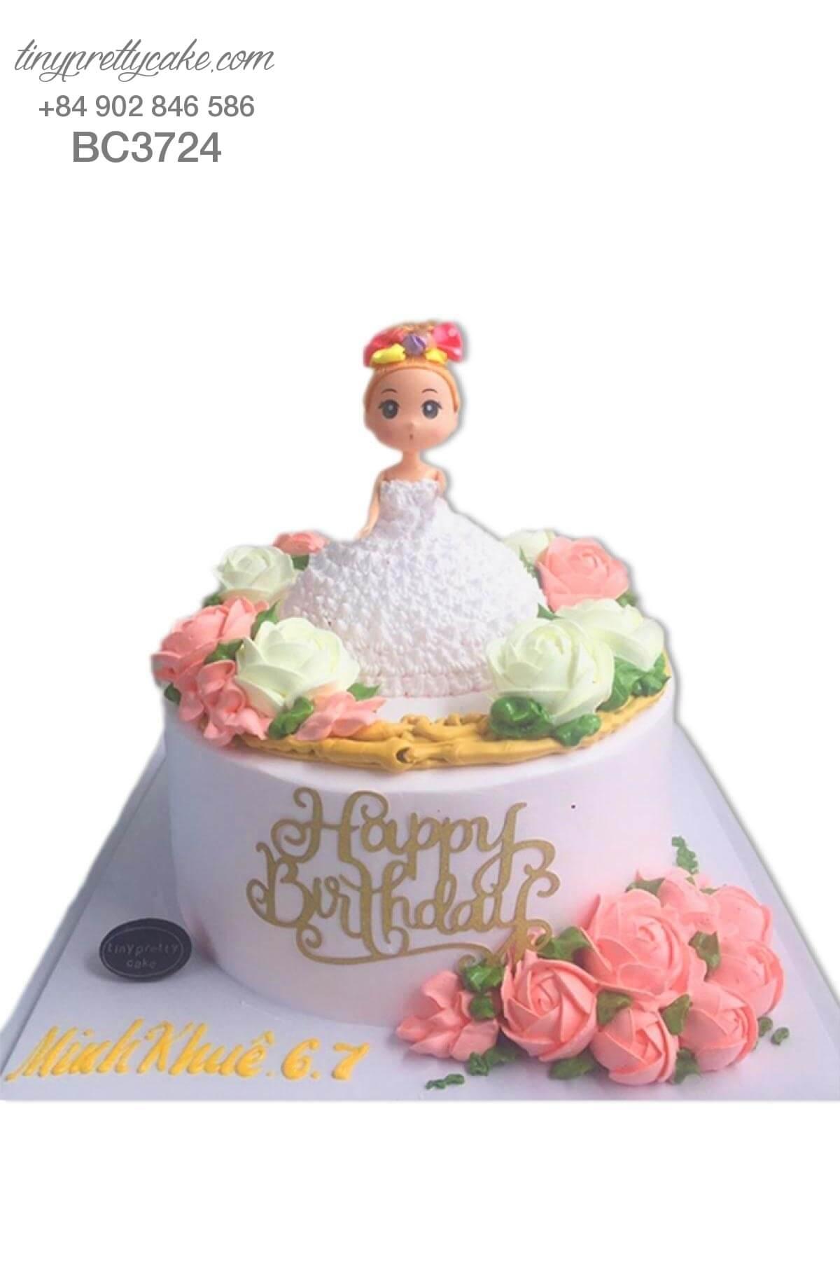 bánh sinh nhật búp bê và hoa hồng