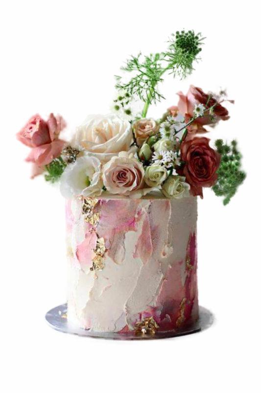 Bánh kem trang trí bằng hoa tươi đẹp nghệ thuật