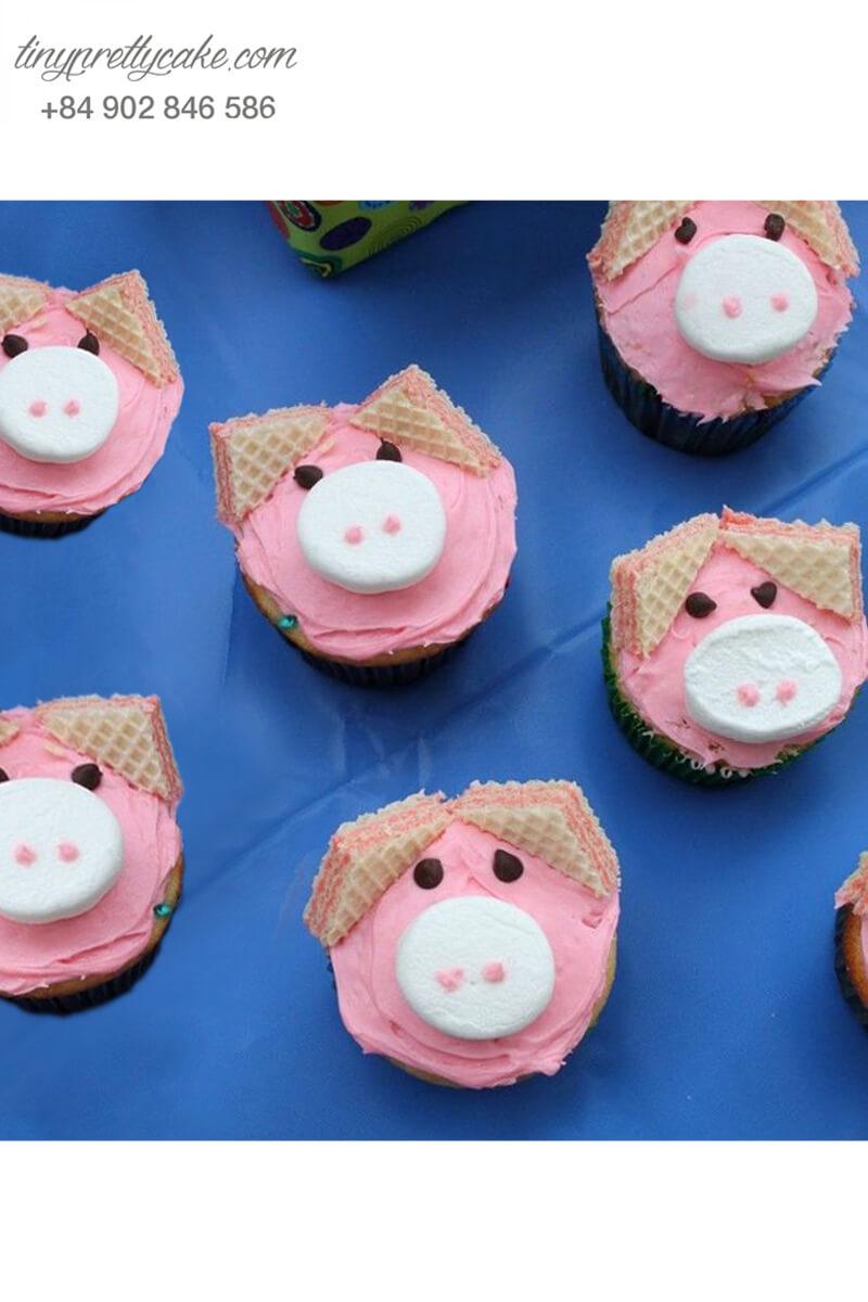 Bánh Cupcake hình chú heo dễ thương dành tặng sinh nhật các bé