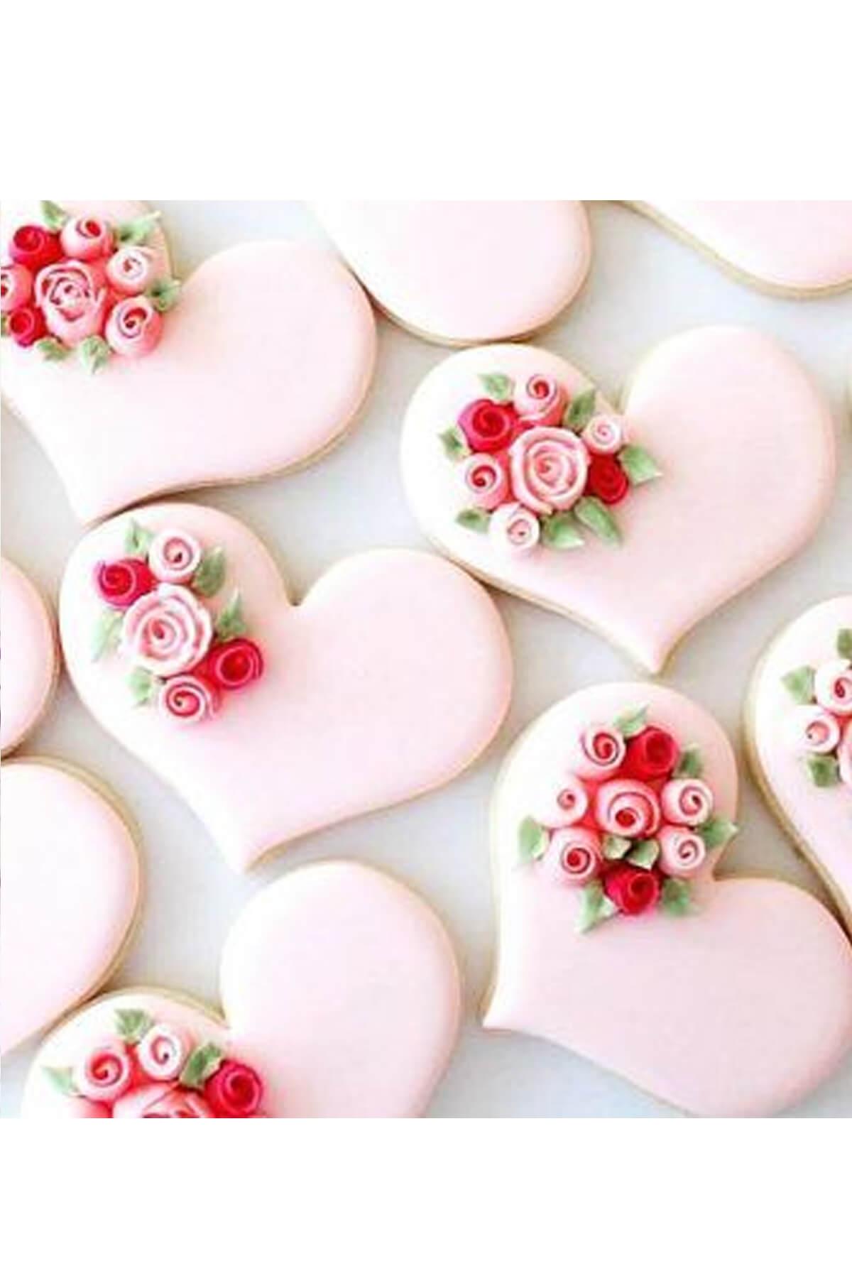 Bánh cookie hình trái tim ngọt ngào và lãng mạn cho cô ấy