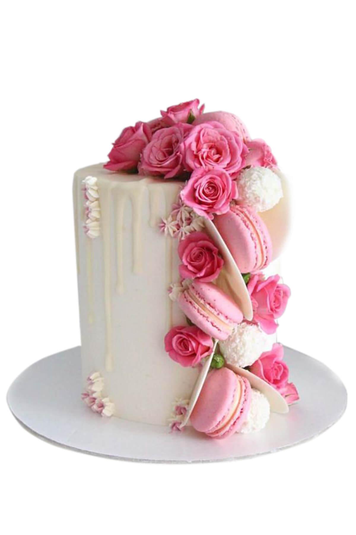 Bánh kem trang trí bằng hoa tươi và macaron xinh yêu kiều tặng phụ nữ