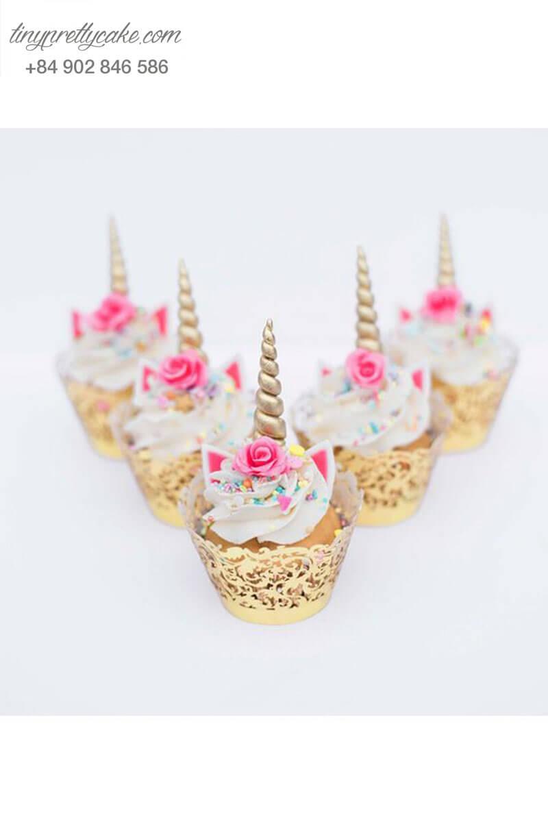 Bánh Cupcake hình Unicorn mạnh mẽ mừng sinh nhật cho các bé gái