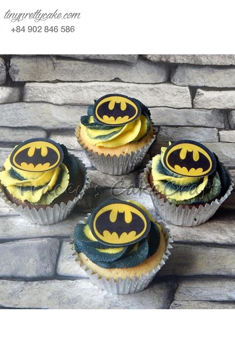 Bánh cupcake logo hình Batman cực ngầu mừng sinh nhật các bé