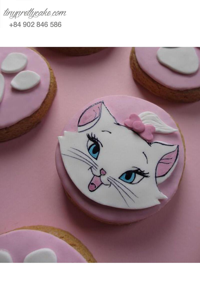 Bánh cupcake cô nàng mèo trắng sanh chảnh cho sinh nhật các bé gái