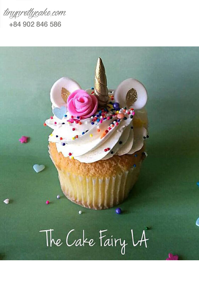 Bánh Cupcake trang trí hình Unicorn đẹp mắt mừng sinh nhật cho các bé