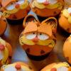 Bánh cupcake hình mèo đáng yêu dành tặng sinh nhật các bé
