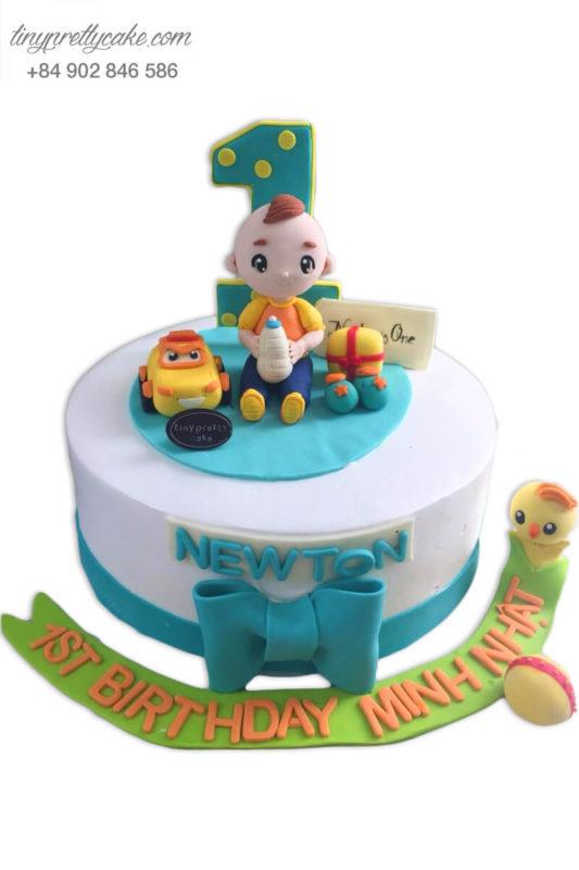 """Bánh sinh nhật tạo hình""""nhóc tì"""" đáng yêu cùng người bạn siêu xe cho bé trai (BC3324)"""