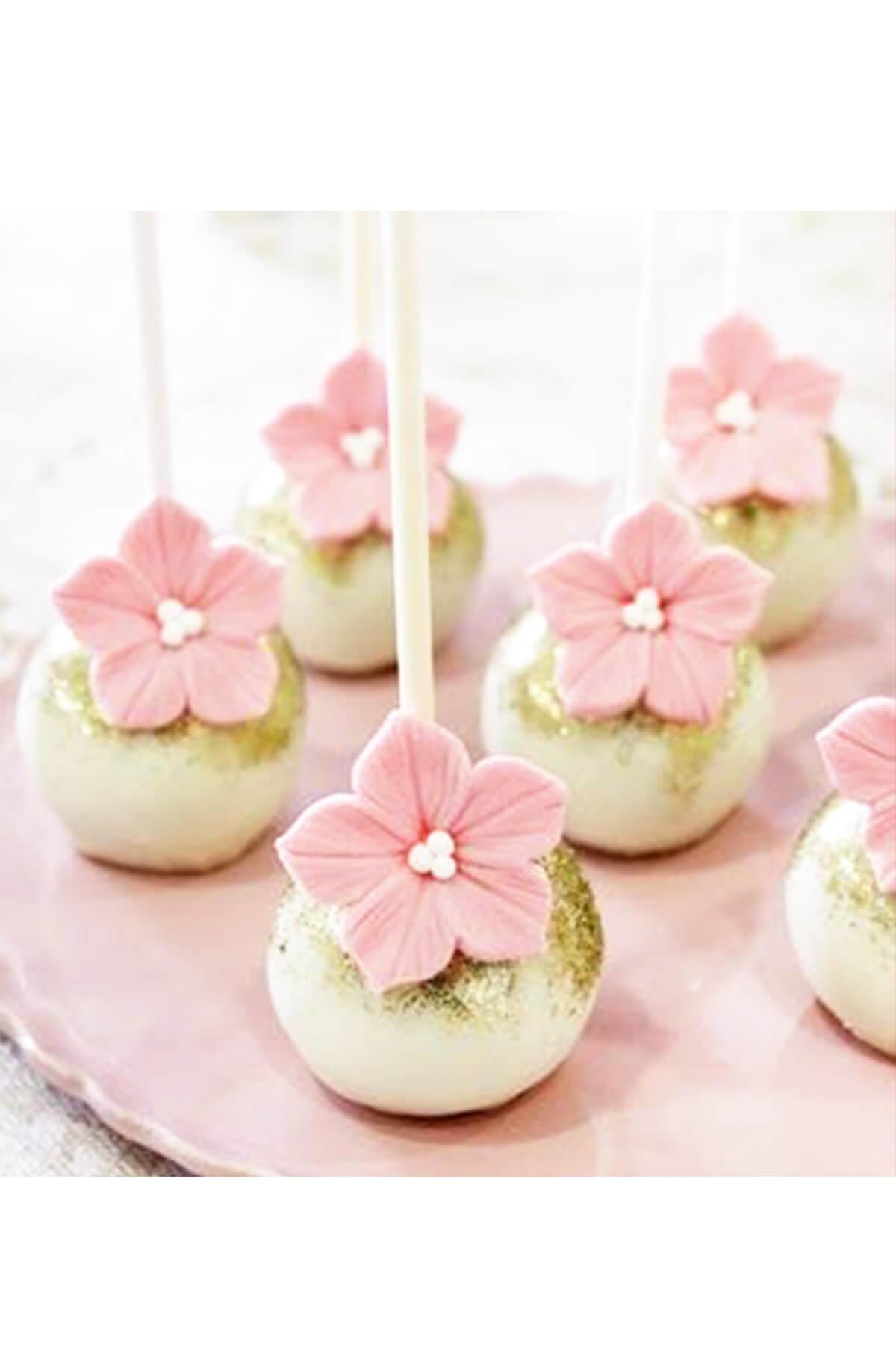 Bánh Cakepop trang trí hình hoa nhẹ nhàng và tinh tế