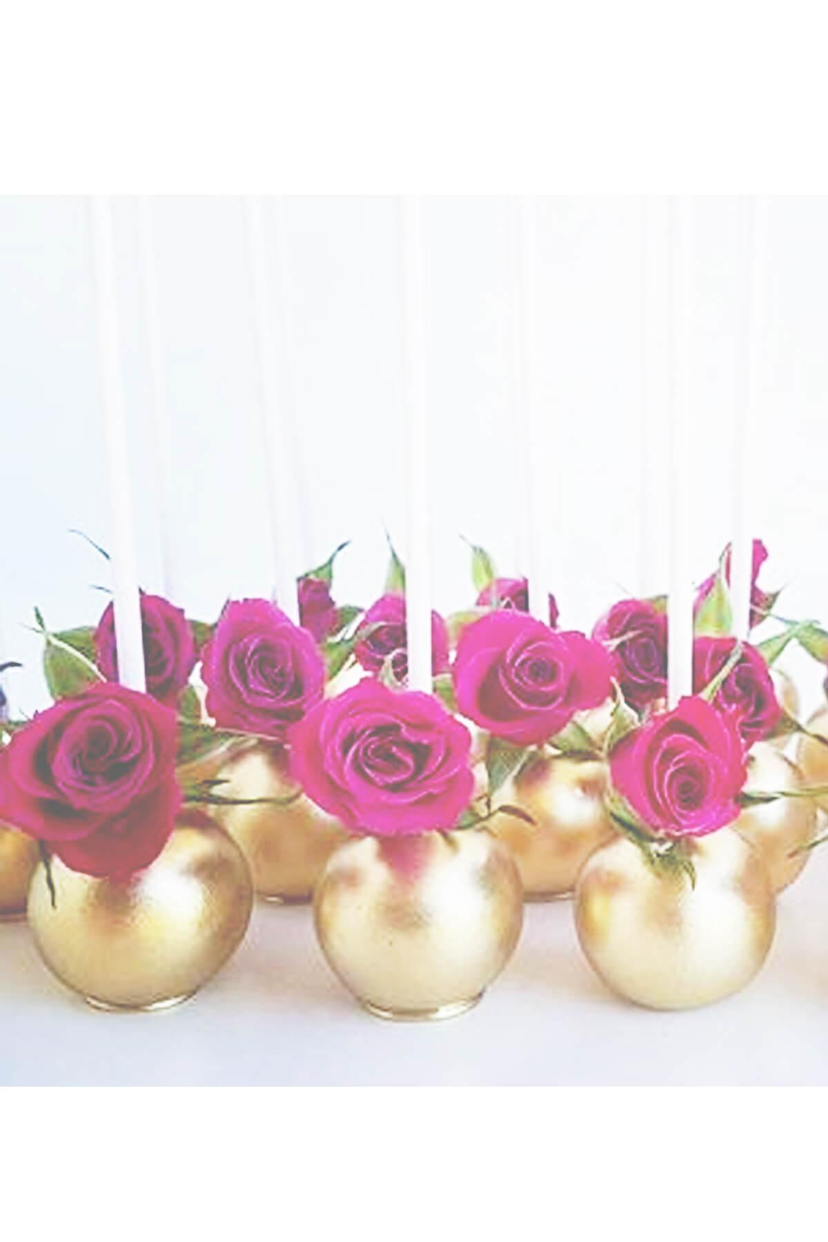 Bánh Cake pop đính hoa hồng tươi – Ngọt ngào như những viên kẹo mút