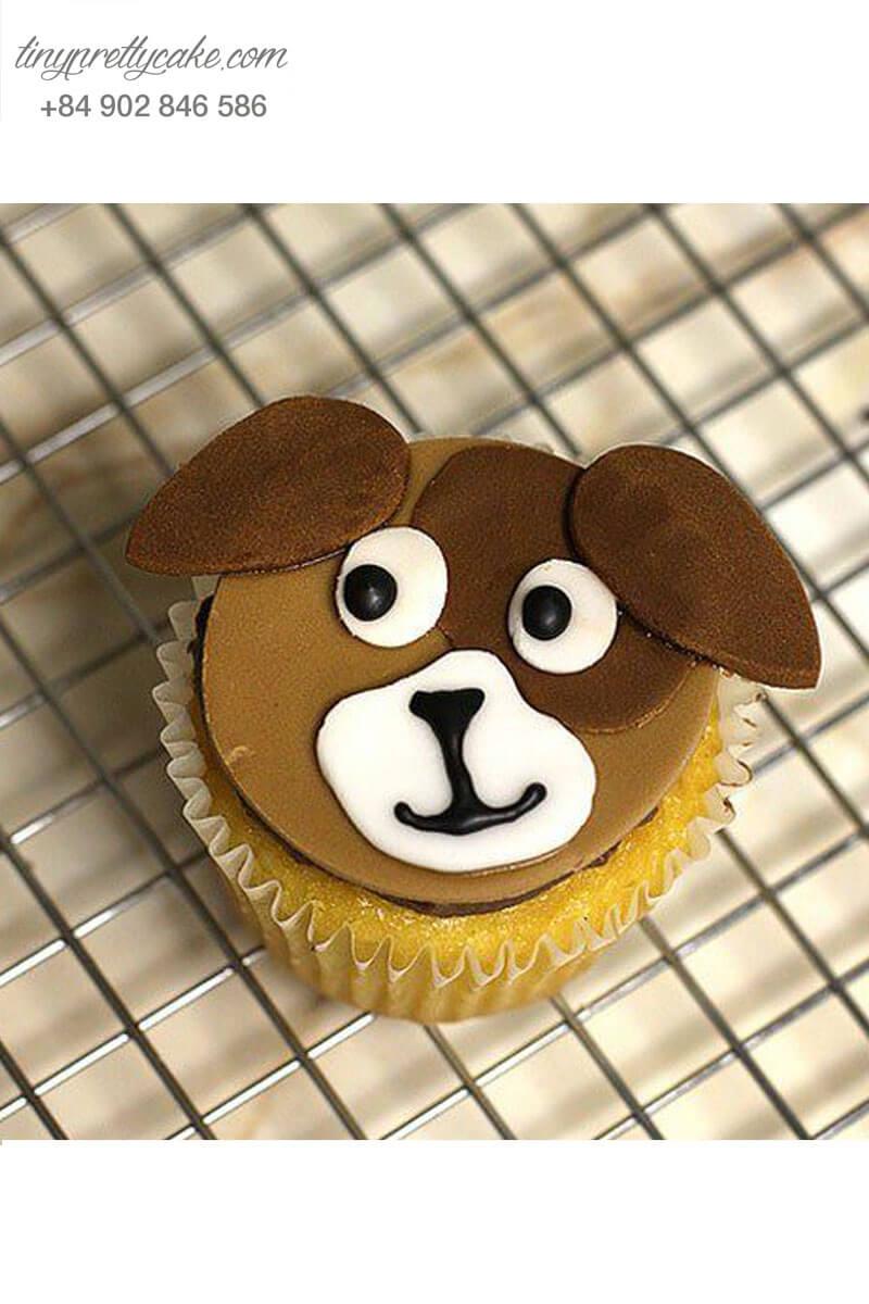 Bánh Cupcake chú chó ngơ ngác dành tặng sinh nhật các bé