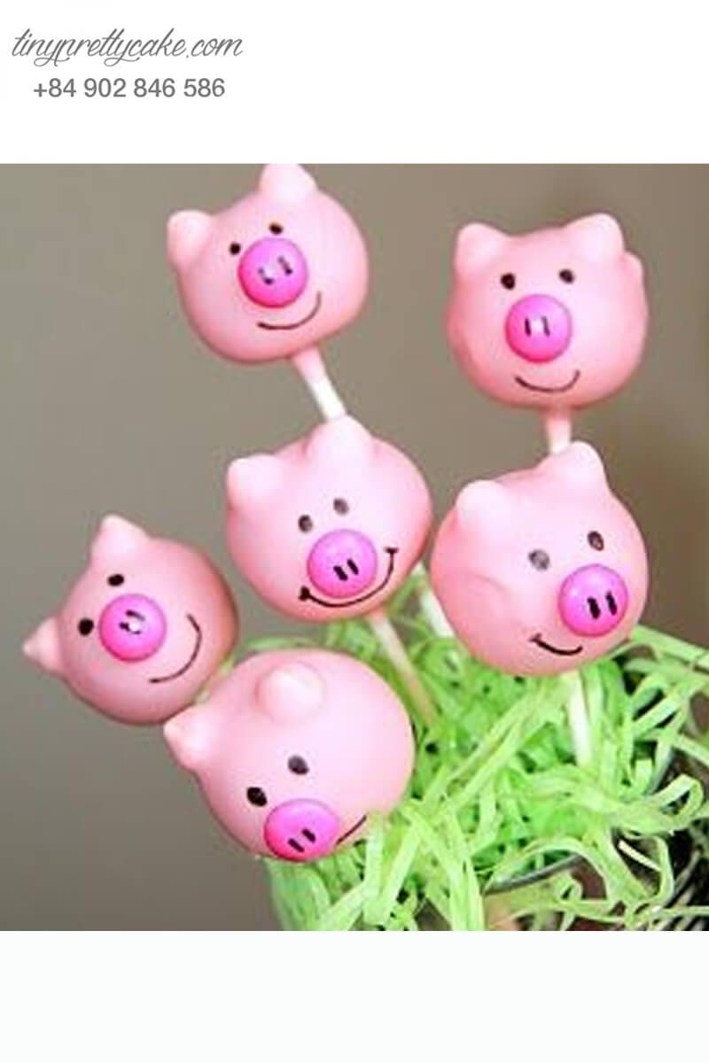 Bánh cakepop tạo hình chú heo Peppa vui vẻ để trang trí tiệc sinh nhật, đầy tháng cho các bé