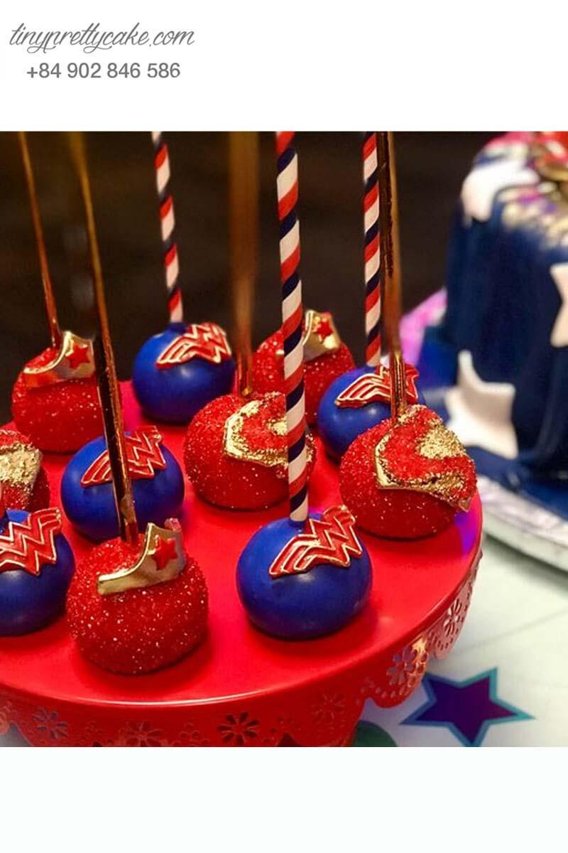 bộ bánh cake pop sinh nhật Wonder Woman