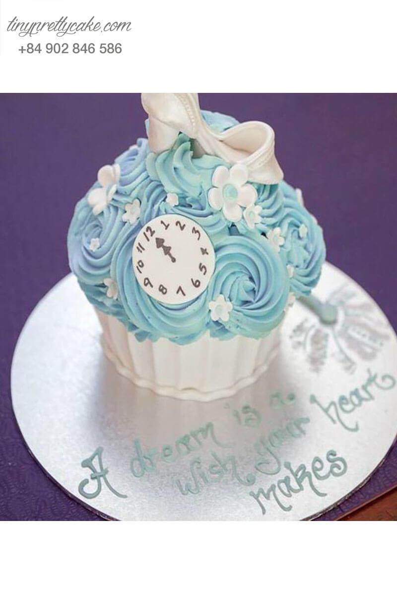 Bánh Cupcake hình chiếc đồng hồ đẹp mắt dành tặng sinh nhật các bé