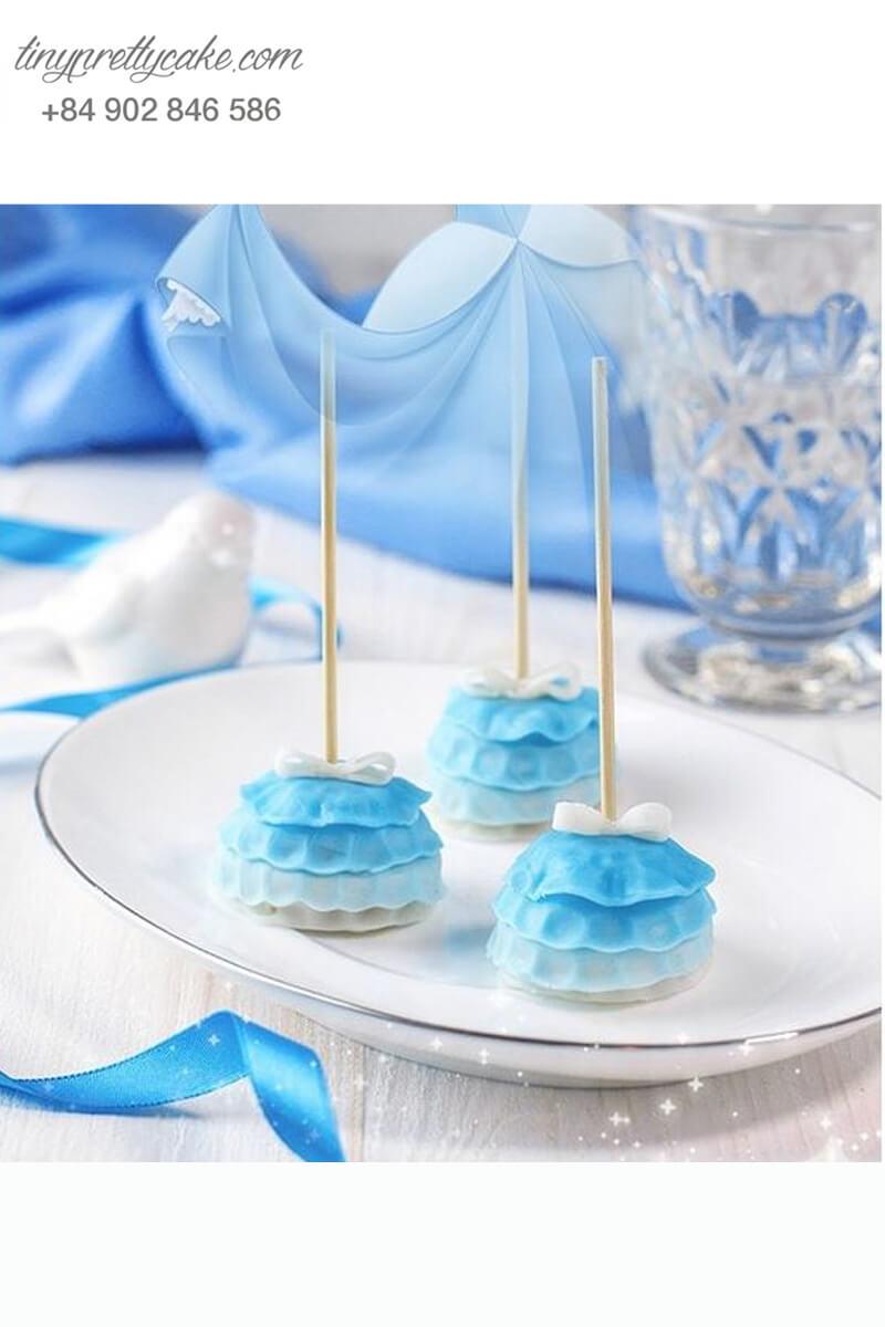 Bánh cakepop tạo hình trang phục của Cinderella lung linh dành tặng bé gái nhân dịp sinh nhật