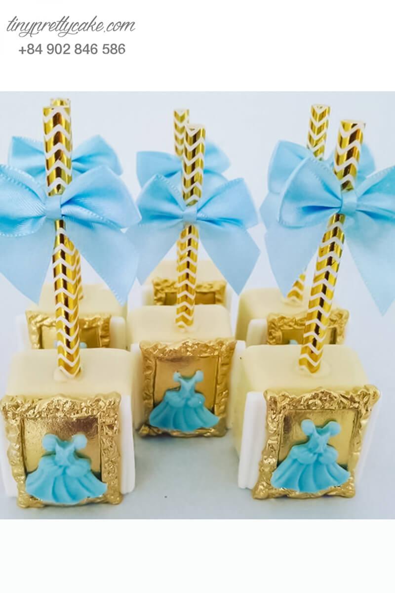 Bánh cakepop tạo hình bộ trang phục của Cinderella sang chảnh dành tặng bé gái nhân dịp sinh nhật