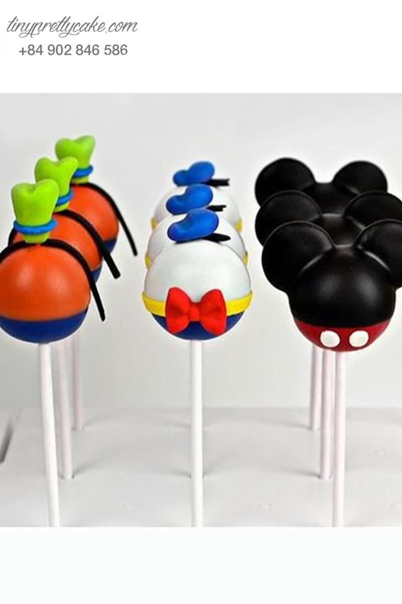 Set 15 bánh cakepop tạo hình những nhân vật Mickey và Donald để trang trí tiệc sinh nhật cho các bé