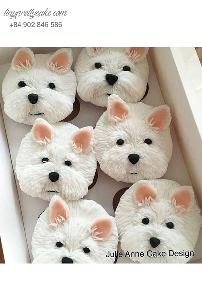 Bánh cupcake hình chú chó trắng đang yêu dành tặng mọi người