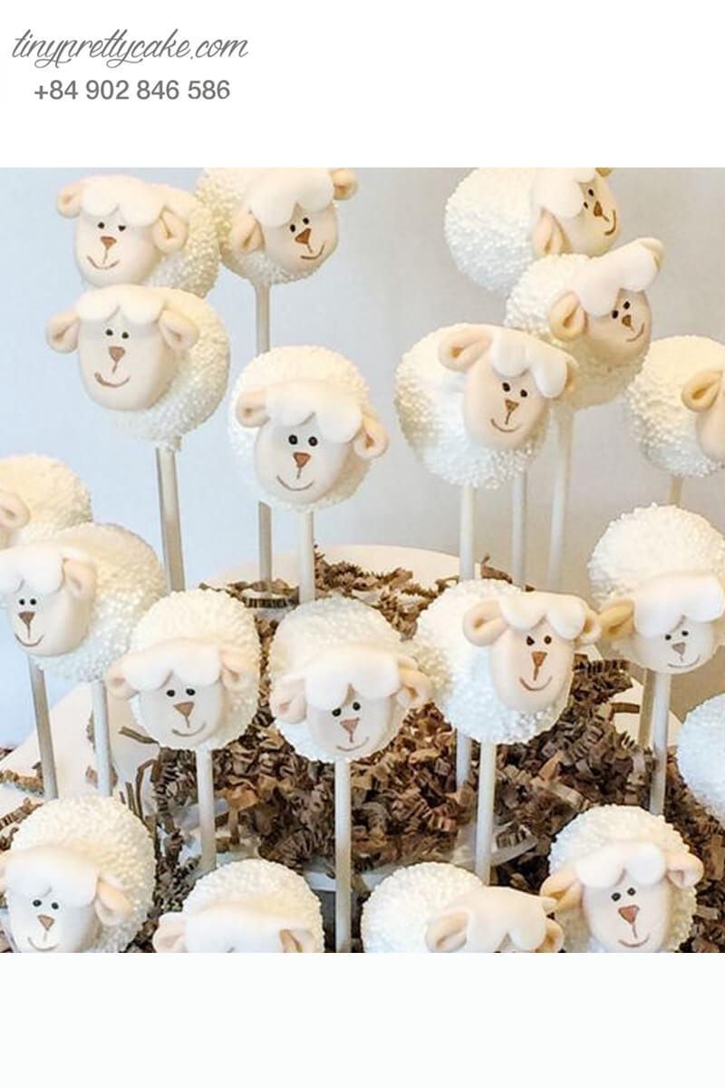 Bánh cakepop những chú cừu tuyết dễ thương dành tặng các bé ngày sinh nhật