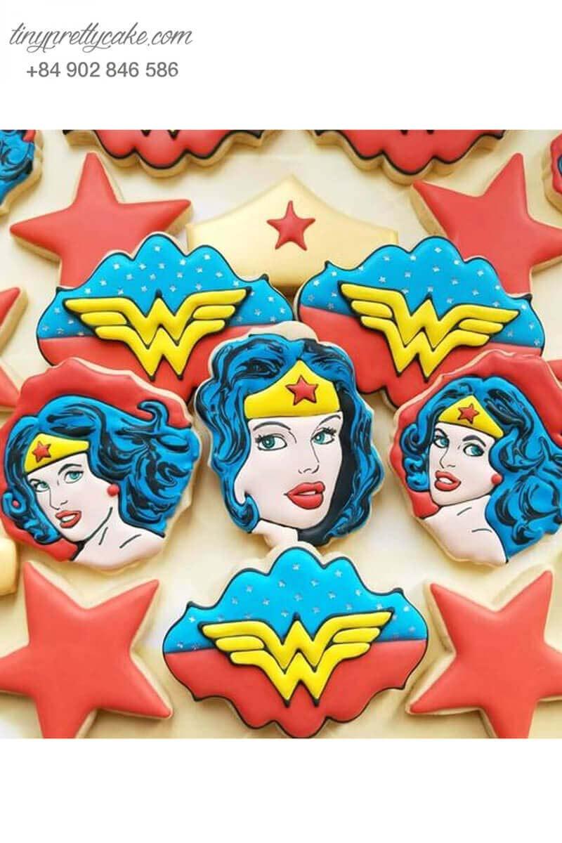 Bánh cookie Wonder Woman mạnh mẽ