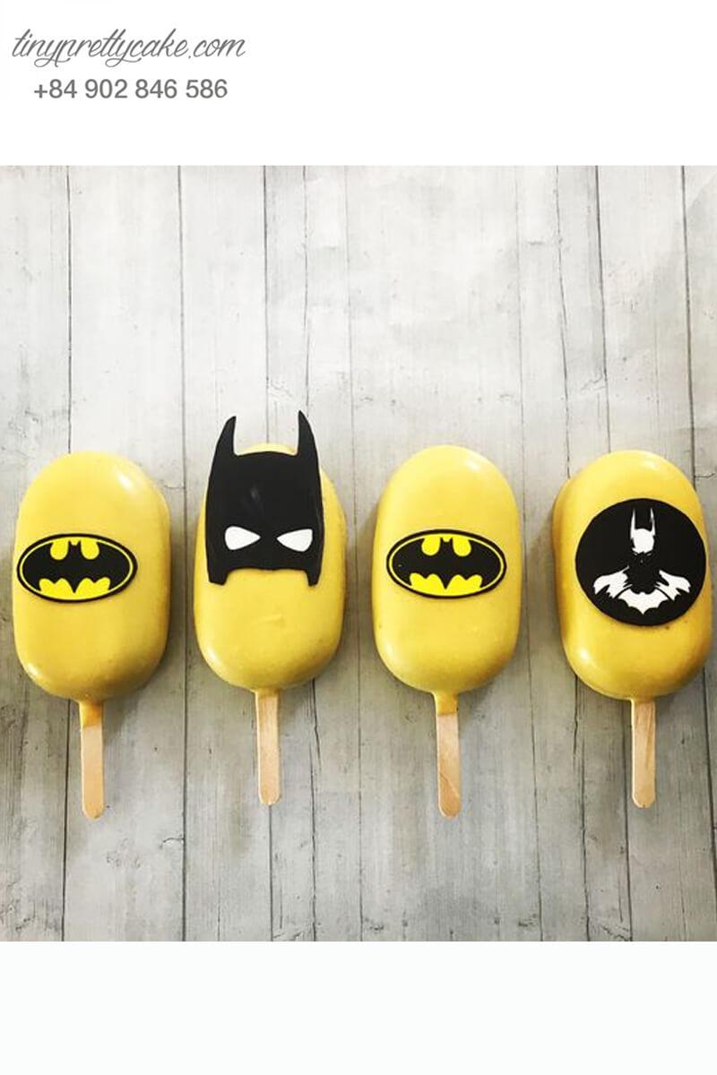Set 4 bánh cakepop hình cây kem theo chủ đề Batman dành tặng bé trai ngày sinh nhật