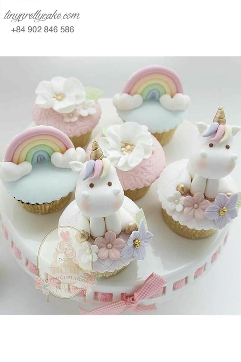 """Set 6 Cupcake hình unicorn """"dễ lấy lòng"""" mừng sinh nhật bé gái"""