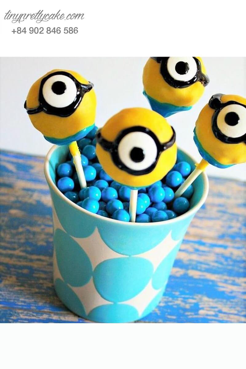 Bánh cakepop tạo hình Minion dễ thương để trang trí tiệc sinh nhật cho các bé