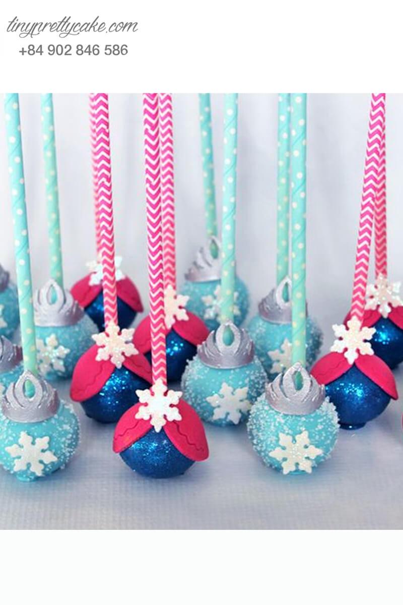 Set 17 bánh cakepop tạo hình trang phục của Elsa và Anna lộng lẫy dành tặng sinh nhật các bé gái