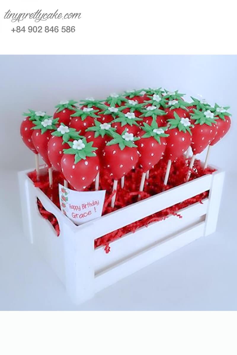 Bánh cakepop tạo hình vườn dâu ngọt ngào để trang trí tiệc sinh nhật cho các bé hoặc dành tặng cho người thương yêu