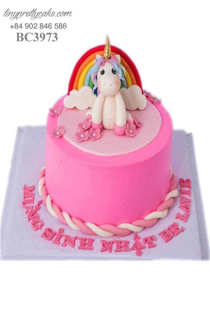 bánh sinh nhật màu hồng Unicorn
