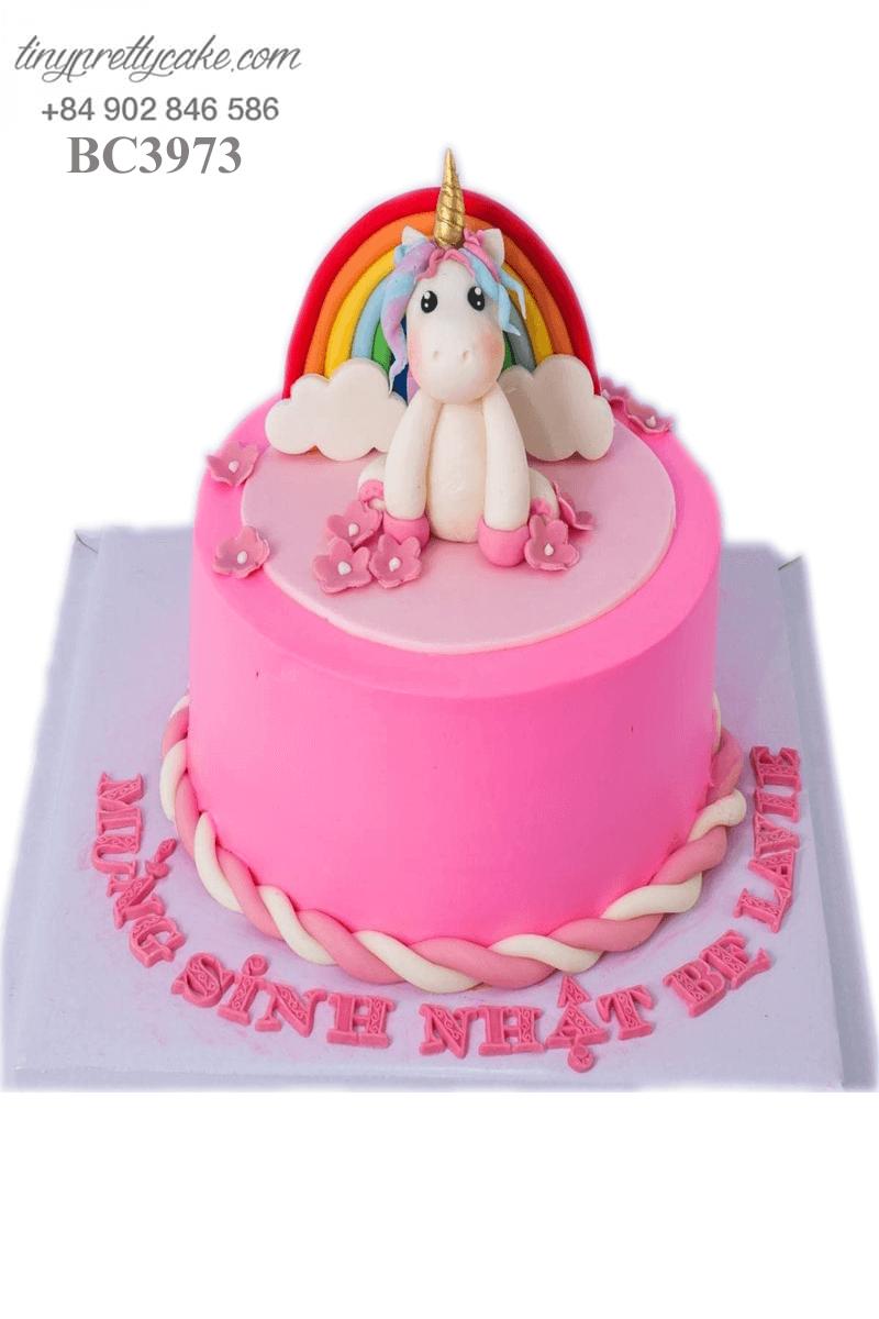 Bánh kem chú Unicorn siêu đáng yêu dành tặng sinh nhật các bé gái
