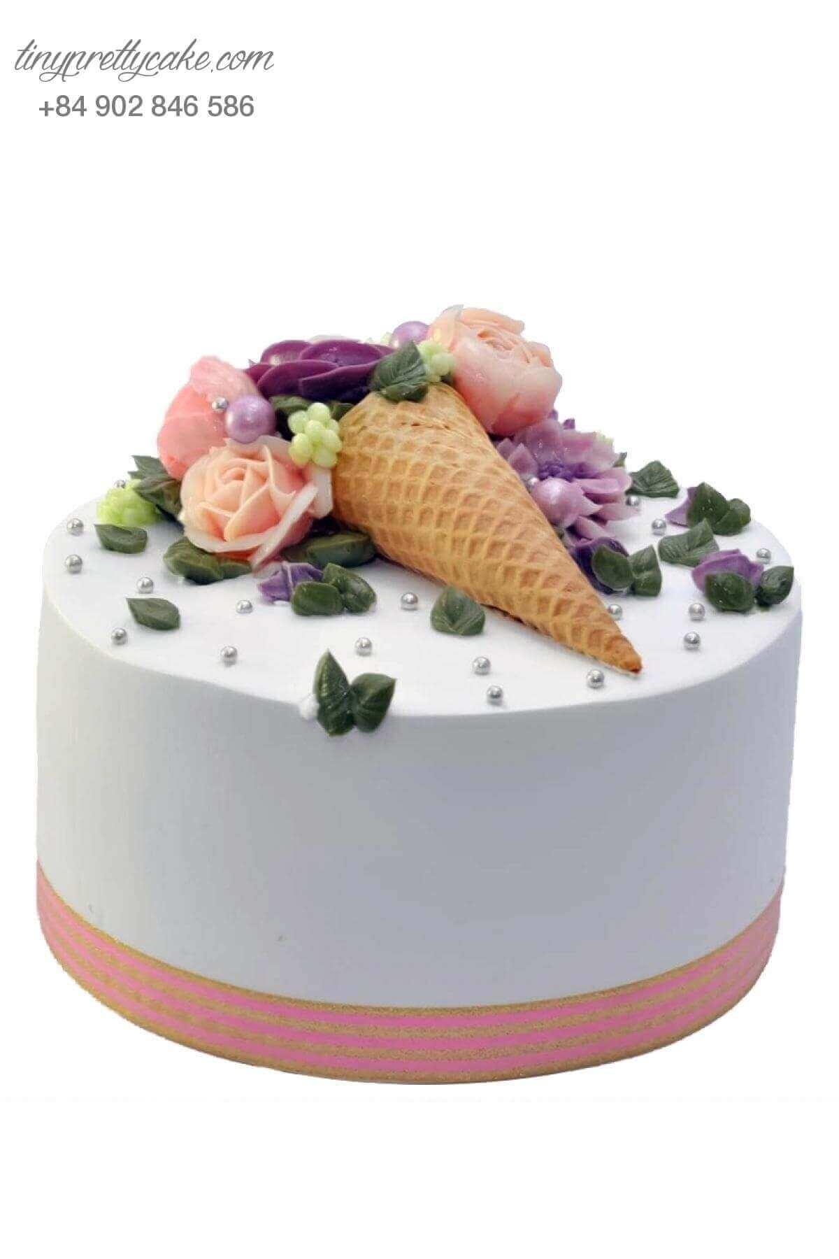 bánh sinh nhật cho phụ nữ hiện đại