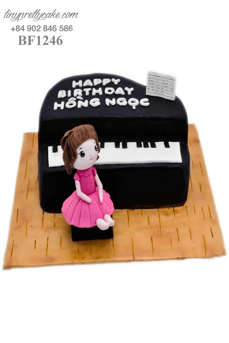 Bánh kem hình Piano và cô bé ngọt ngọt dành tặng sinh nhật bé gái