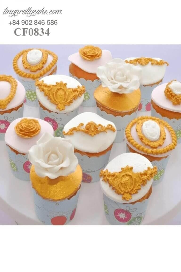 Bánh cupcake sinh nhật hình bông hoa