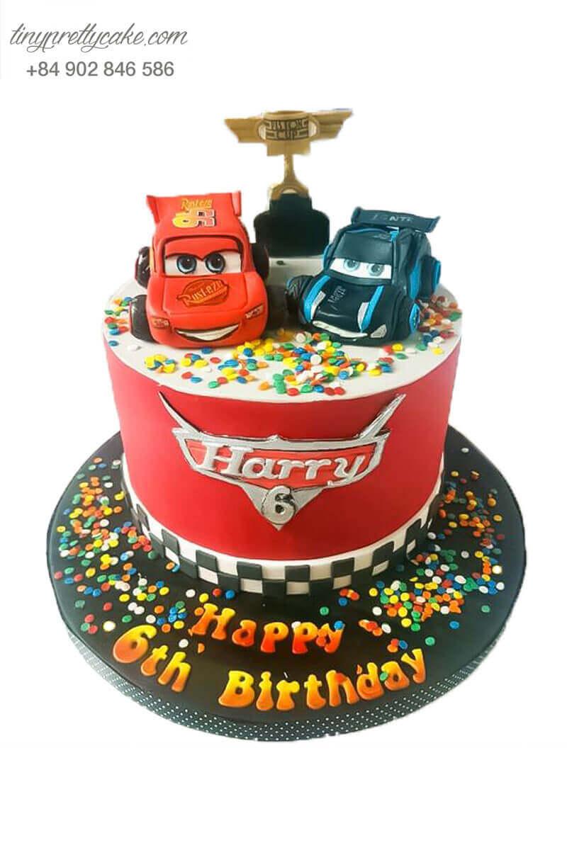Bánh sinh nhật xe ô tô độc đáo