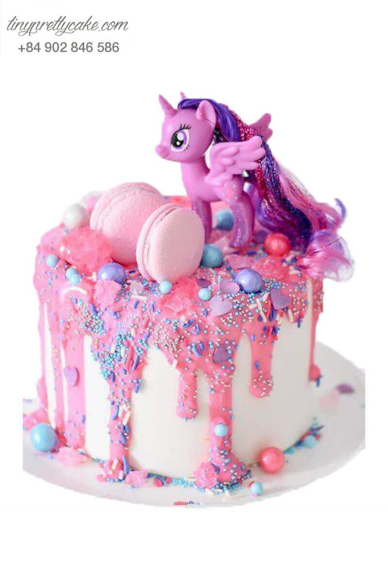 bánh fondant unicorn màu hồng