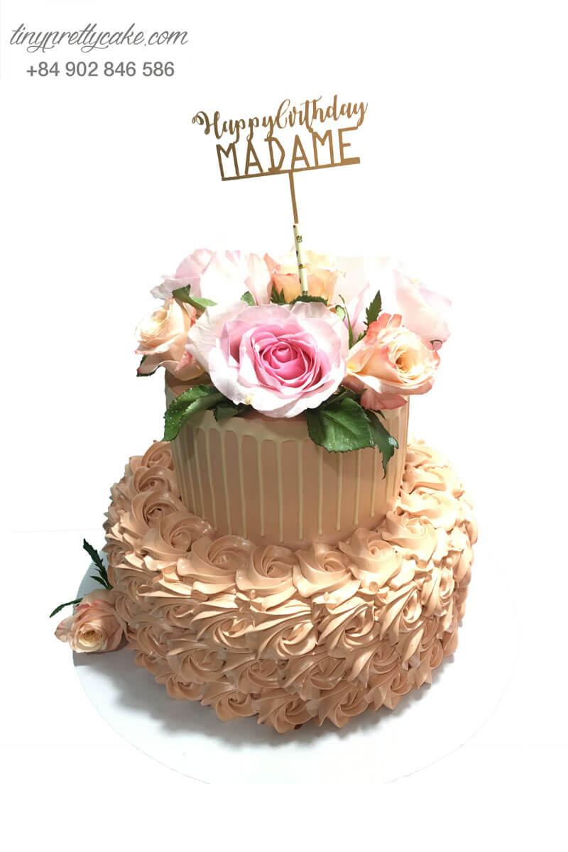 bánh sinh nhật 2 tầng hoa hồng