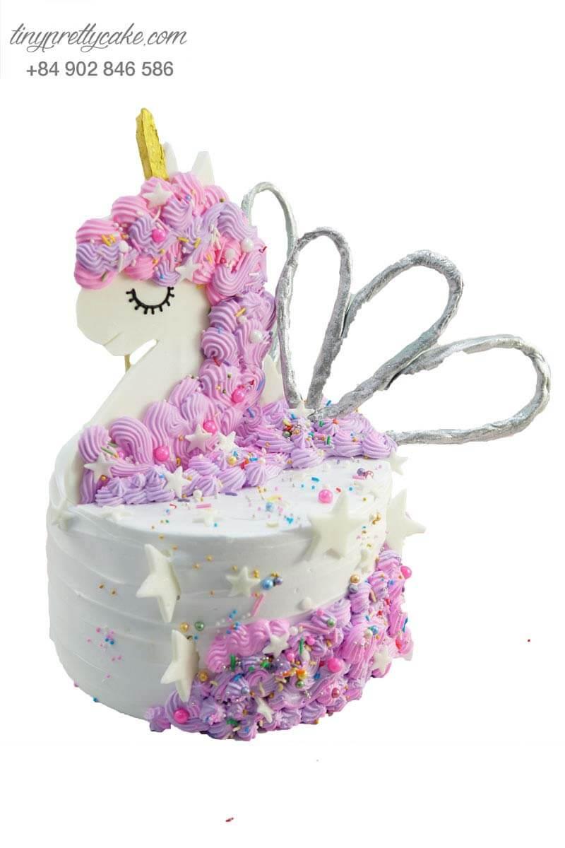 bánh sinh nhật unicorn màu hồng cho bé gái